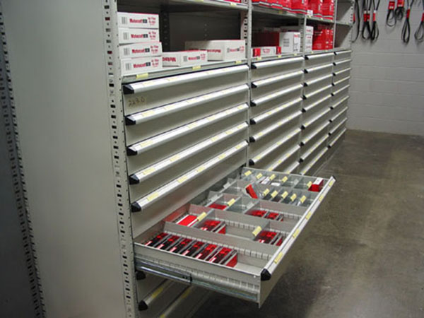 Superbe The System Can Be Designed With Overhead Storage Modules, Modular Drawers  And Industrial Shelves In Any Or All Sections As Needed To Meet The Needs  Of The ...